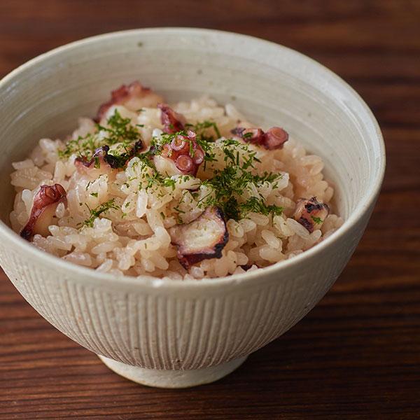 ほんのり桜色の「たこ飯」
