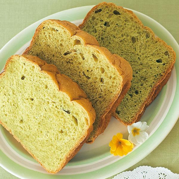 抹茶とホワイトチョコのパン