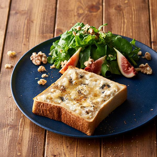 ブルーチーズとはちみつのトースト