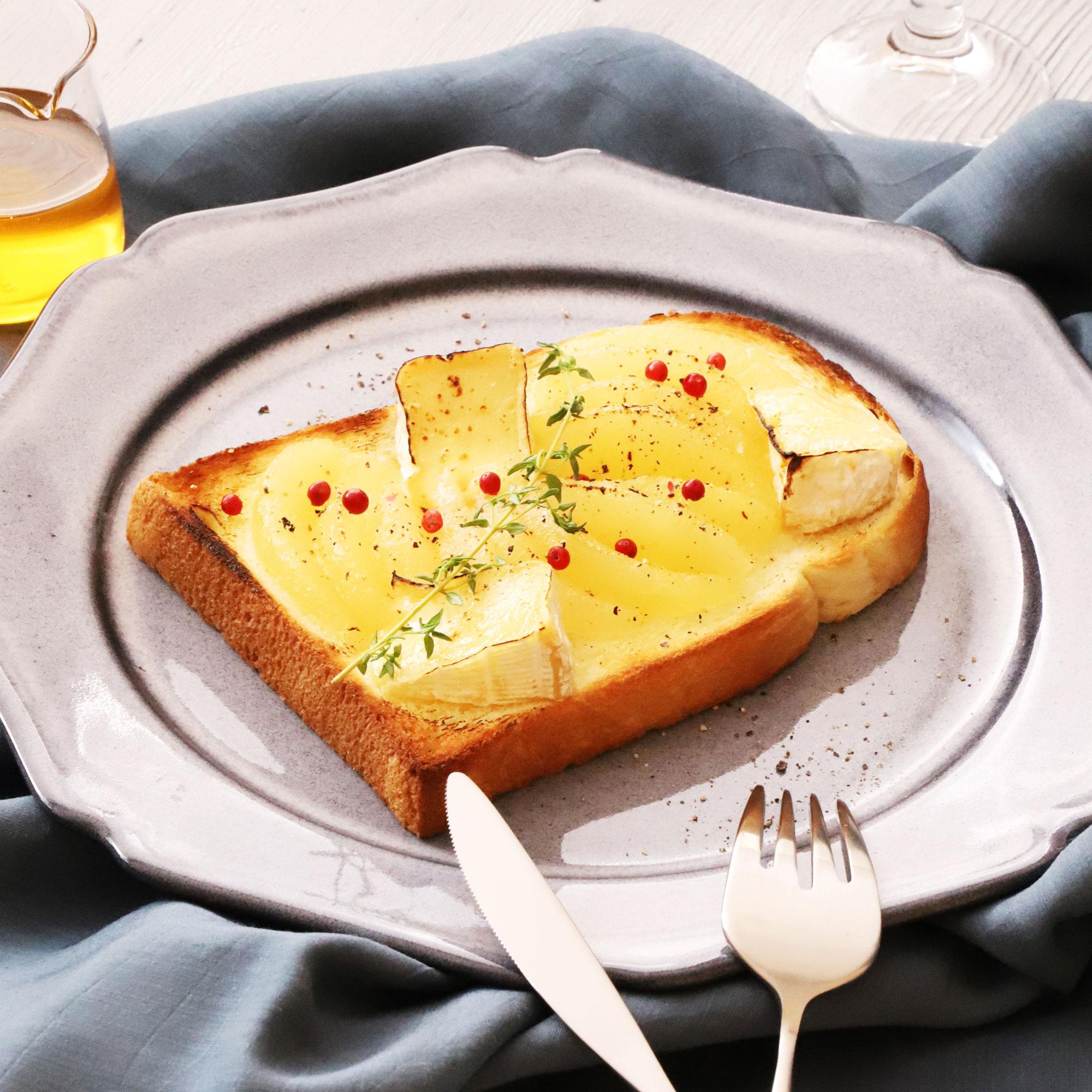 洋梨のカマンベールチーズ焼き